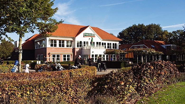 Klant in beeld 6 golfclub prise d 39 eau in tilburg merit for Verlichte driving range