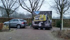 Narrowcasting in Pop-Up trailer van Mercedes-Benz